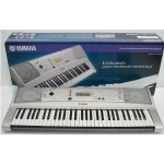 Yamaha PSR-E323 Electric Piano